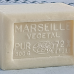 Se laver au (vrai) savon de Marseille